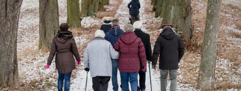 Mehrgenerationenshooting im Schneezauber, maizucker Familienfotograf