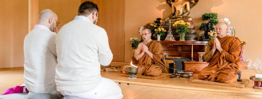 Buddhistische Segnung Kulmbach, Kloster Stammbach, Gleichgeschlechtliche Ehe, Gaywedding, GayHochzeit, GayHochzeitsfotograf